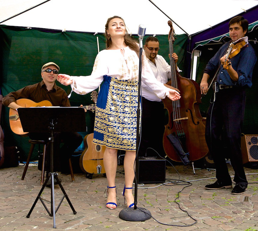 Bukarest Bohème at Bonn market